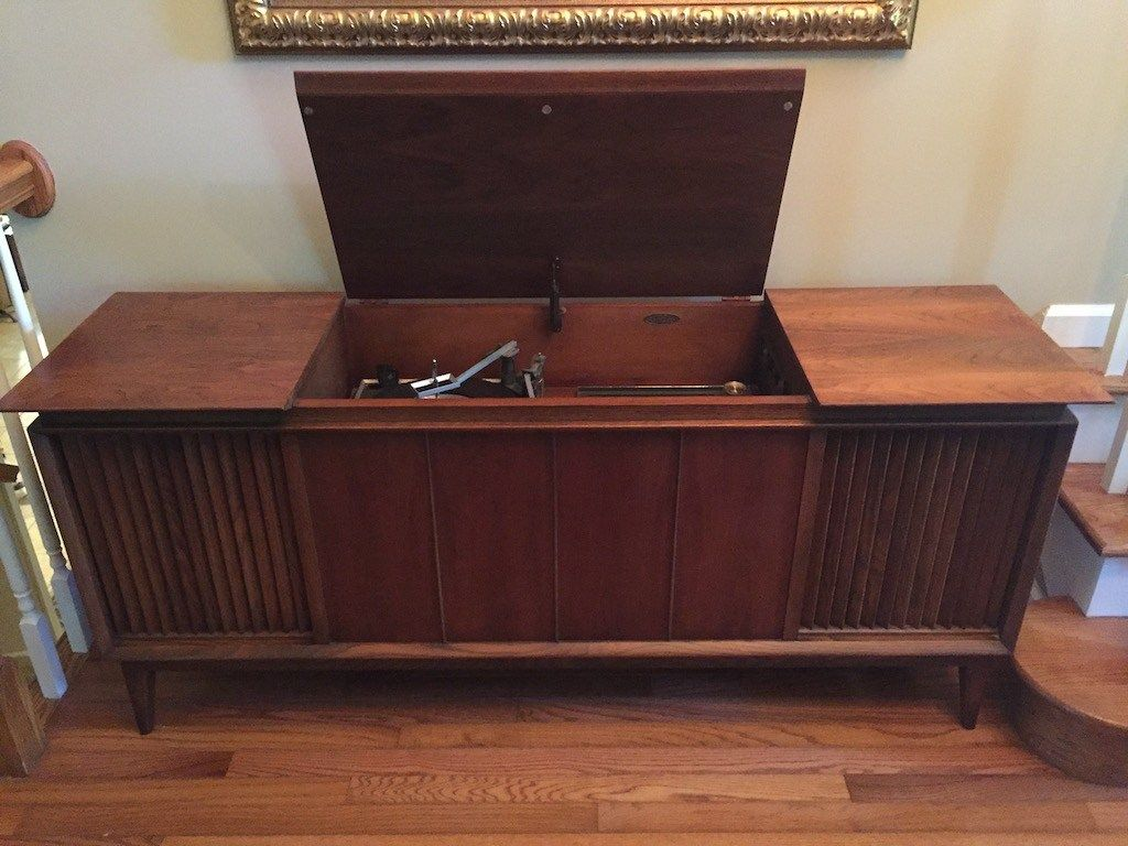 Restoring And Upgrading A Vintage Stereo Console From The 60 S With Modern Components Including Bluetooth Stereo Console Vintage Stereo Console Stereo Cabinet