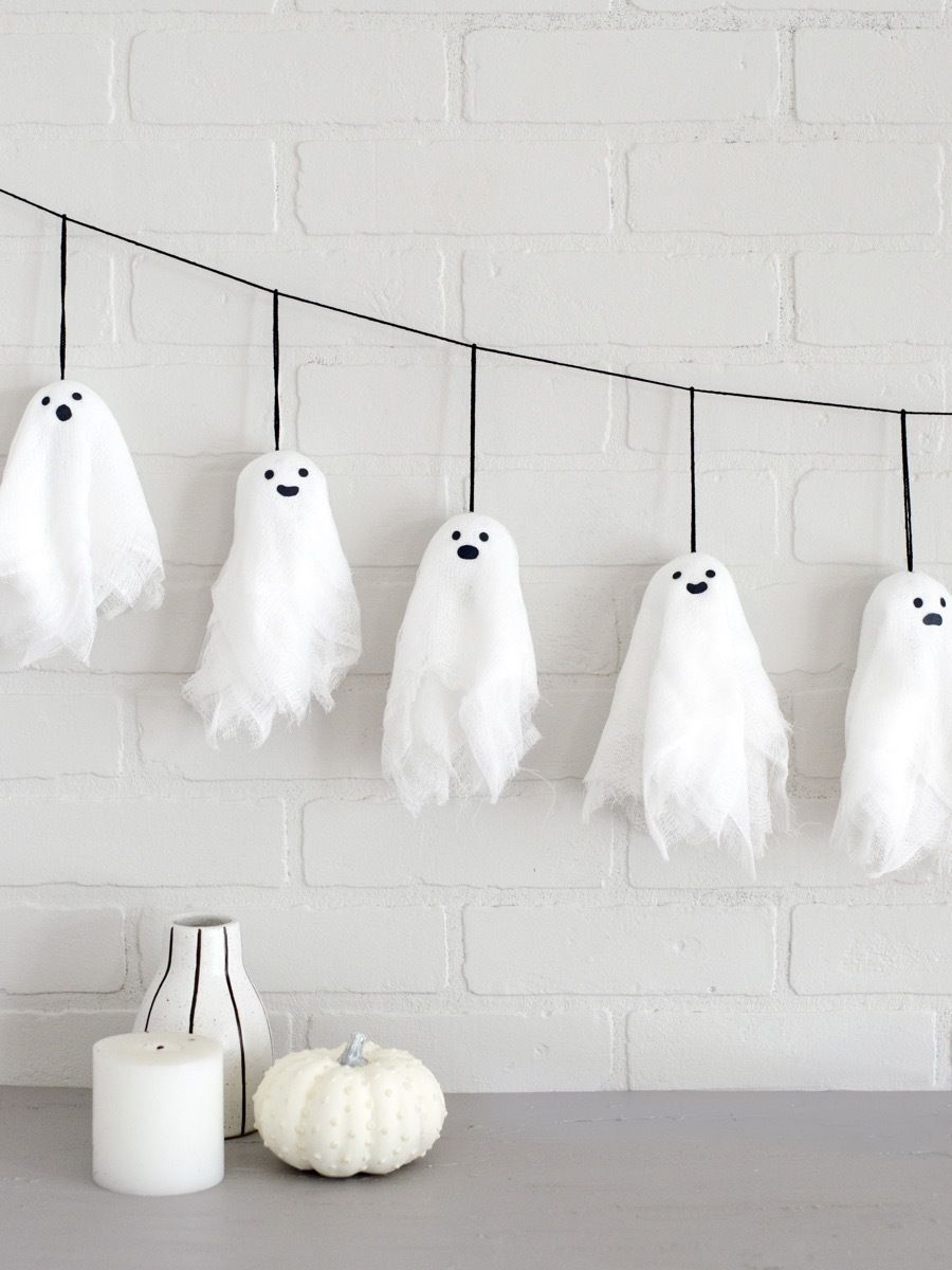 Cute With a Lil' Spook: DIY Mini Ghost Garland