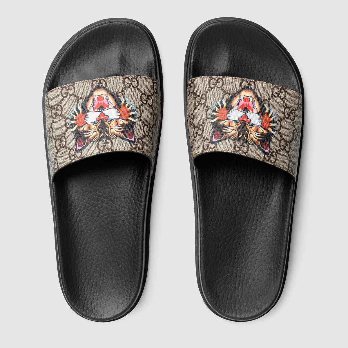 fd8dcc4ed0da51 Gucci GG Supreme Angry Cat print sandal Detail 3