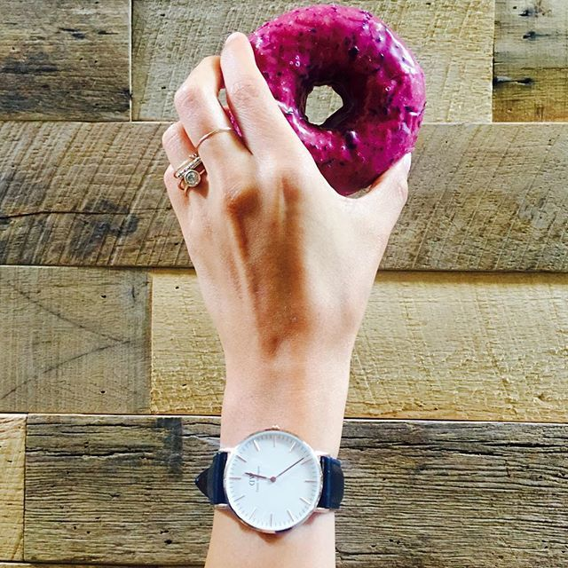 it's about that time to grab some sort of sweet #GLUTEN and celebrate #nationaldessertday  #shutthekaleup #glutenandsugarandcarbsohmy  also, I wanna share the love so if you like my watch go on www.danielwellington.com for 15% off using KALEUP discount code (valid through 11/15/15) ❤️ Happy Wednesday babes!  #danielwellington