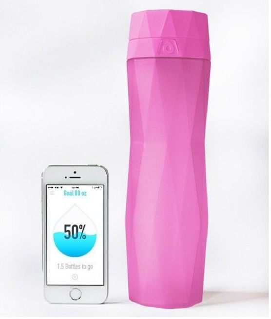 The Hidrate water bottle keeps track of how much water you