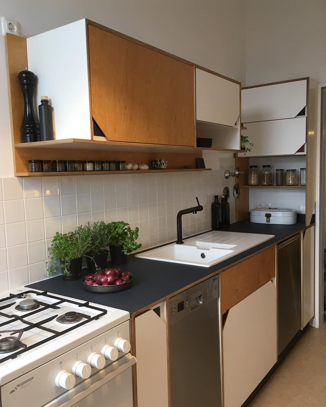 8 best small kitchen ideas 2020 photos and videos of small kitchen trends 2020 with images on kitchen decor trends id=62461