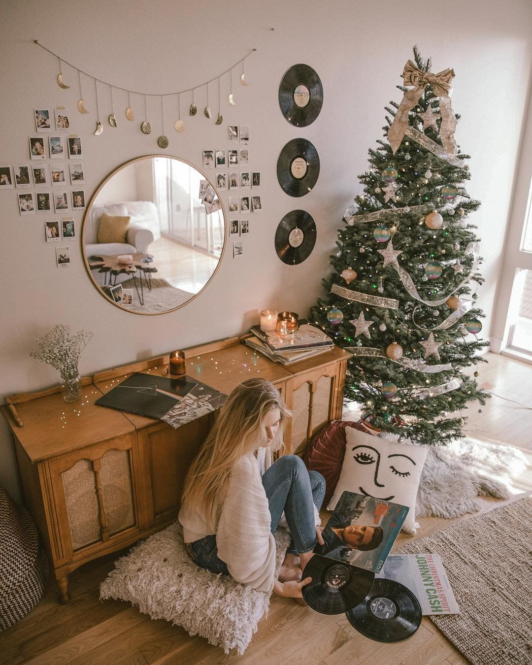 """7,010 Likes, 77 Comments - M I L L I E (@amelia.edmondson) on Instagram: """"all things merry and bright #UOhome @urbanoutfitters"""""""