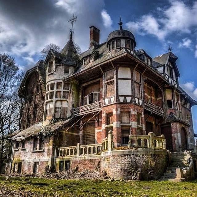 Abandoned Chateau Nottebohm, Municipality Of Brecht