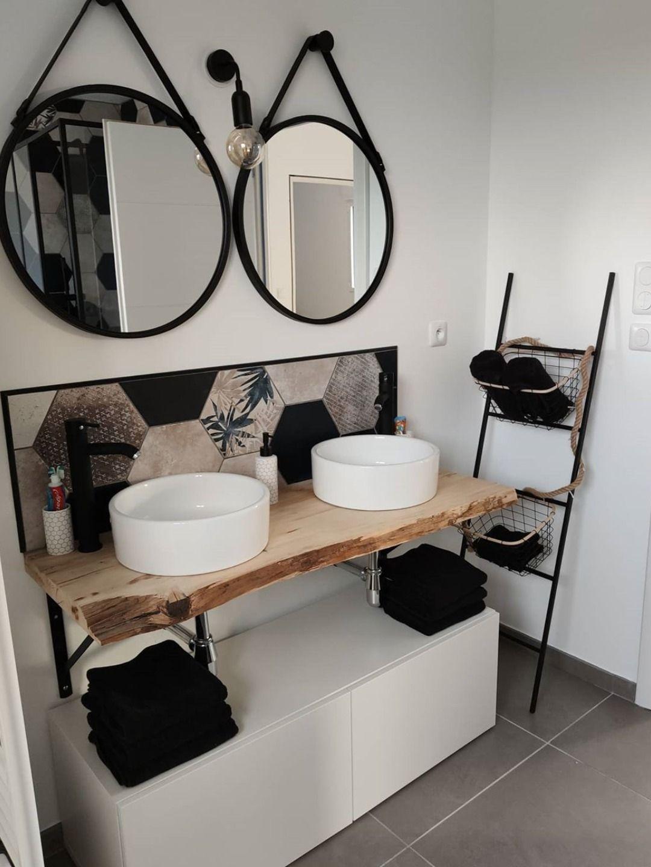 Salle de bain meuble bois suspendu   Idée salle de bain, Salle de ...
