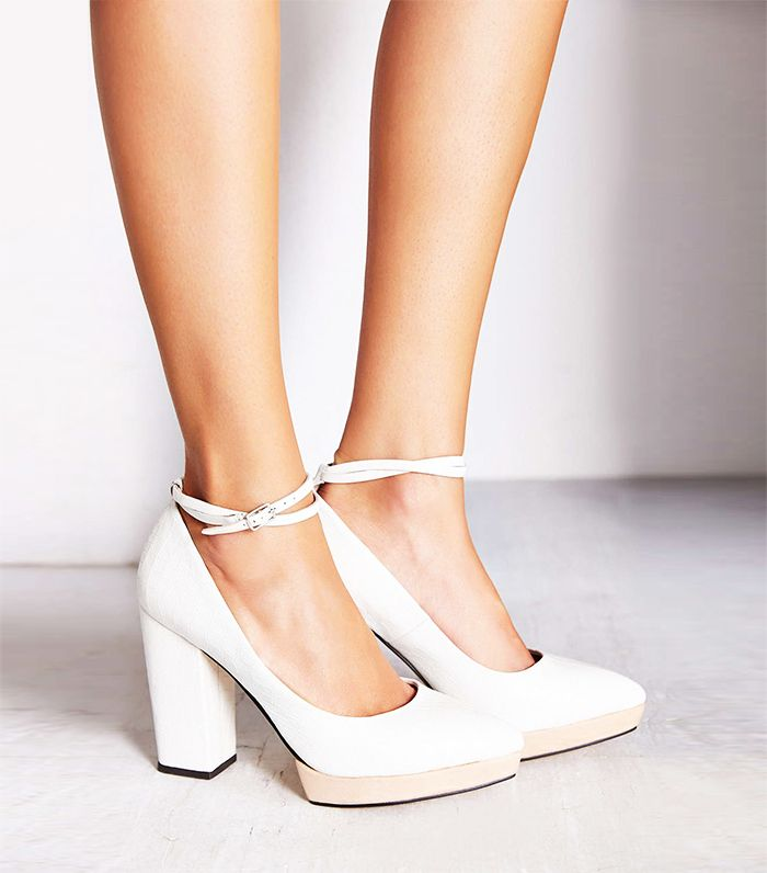 884d50c40447 25 Heels That Are Way More Comfortable Than Flats via  WhoWhatWear