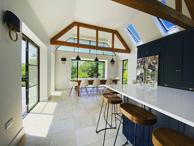 Not everything is possible when it comes to renovating or attempting to extend a true period grade II listed building. YES Glazing Solutions had an amazing chance of taking part in the transformation of this historical Sussex farmhouse extension project. Here is the result 😊🏠👌🏻 #heritage #heritagewindows #heritagedoors #heritagehouse #englishfarm #kitchendesign #diningroom #diningtabledecor #diningroomdesign #houseexterior #housedecor #houserenovations #houseextension #oldandnew #loveyourhom