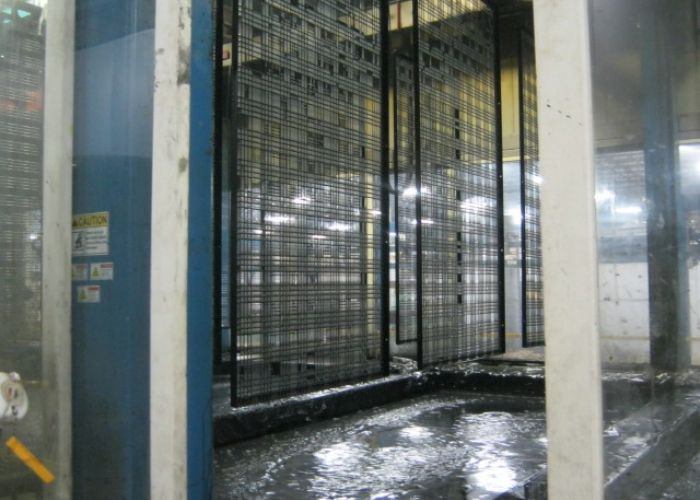 E Coat Process For Wire Mesh Frame Assembly Before Powder Coating Wire Mesh Antique Plates Physical Vapor Deposition