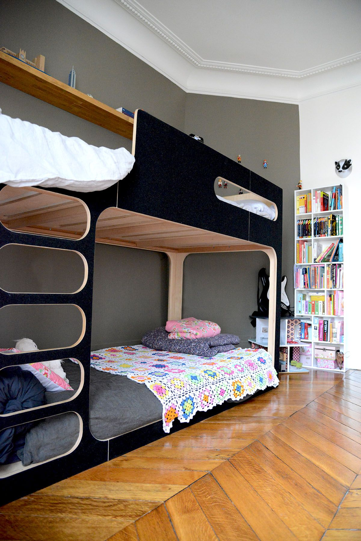 chambre fille et gar on petite chambre our deux enfants. Black Bedroom Furniture Sets. Home Design Ideas