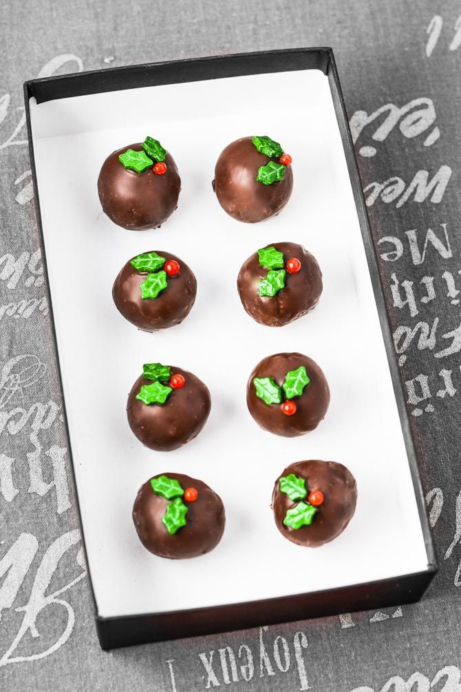 Konfekt opskrift til jul – nem konfekt med marcipan #konfektjul God konfekt opskrift med marcipan og mandler. Nem konfekt opskrift du kan lave på en time. Marcipan og mandler overtrukket med god mørk chokolade – så nemt. #konfektjul Konfekt opskrift til jul – nem konfekt med marcipan #konfektjul God konfekt opskrift med marcipan og mandler. Nem konfekt opskrift du kan lave på en time. Marcipan og mandler overtrukket med god mørk chokolade – så nemt. #konfektjul