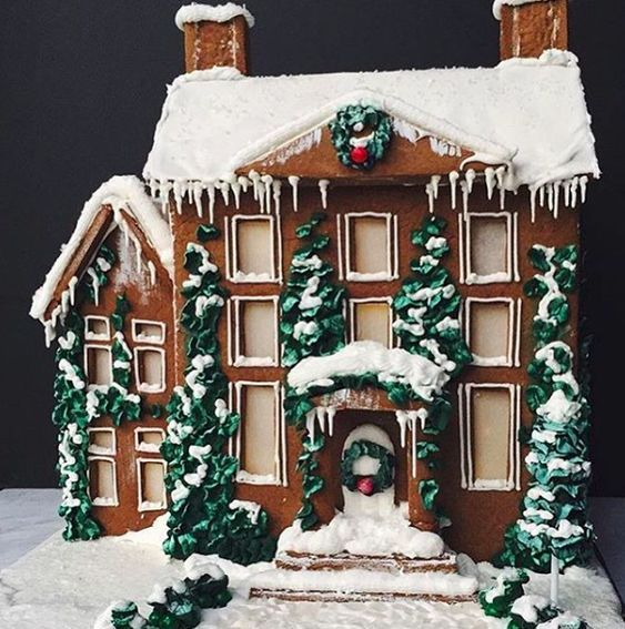 100 Gingerbread House Ideas to give your Christmas Party a Delicious Dose of Happiness - Hike n Dip #gingerbreadhouseideas