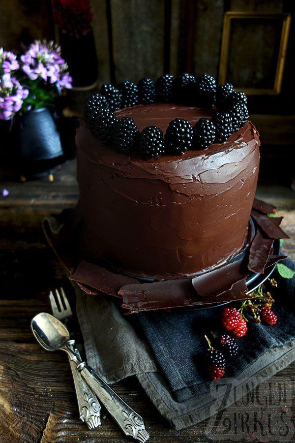 Chocolate - blackberry cake with ganache and sponge cake - tongue circus, #Blackberry #cake #Chocolate #circus #Ganache #Sponge #tongue