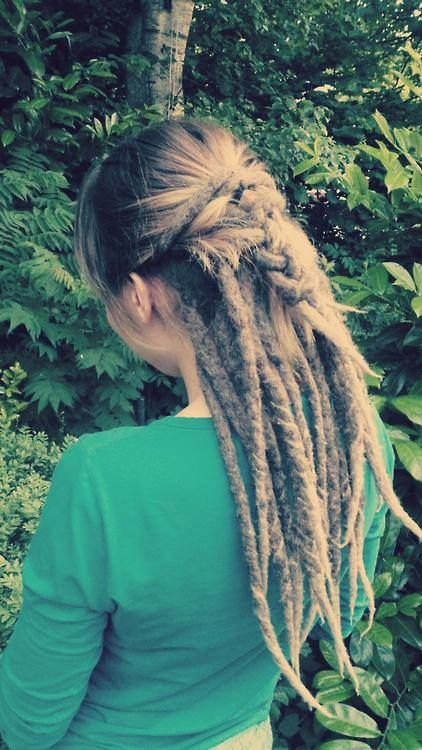 A Lot Of My Client A Are Now Doing Something Like This Keeping The Hair Out On Top And Just Locking The Underneath Dread Hairstyles Rasta Hair Dreads Girl