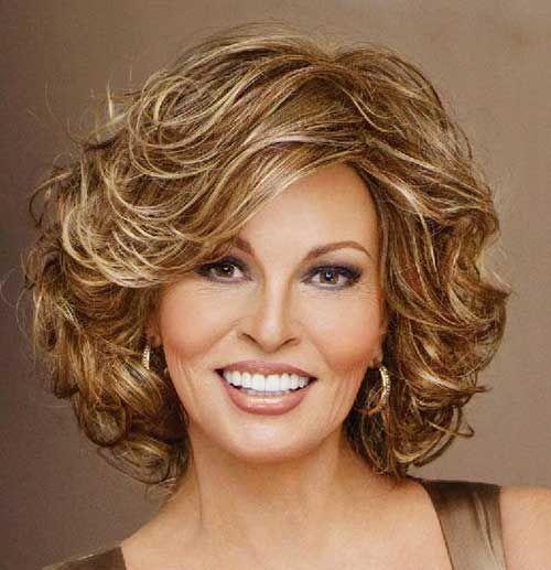 15 Populares Corto Y Rizado Peinados Para Caras Redondas