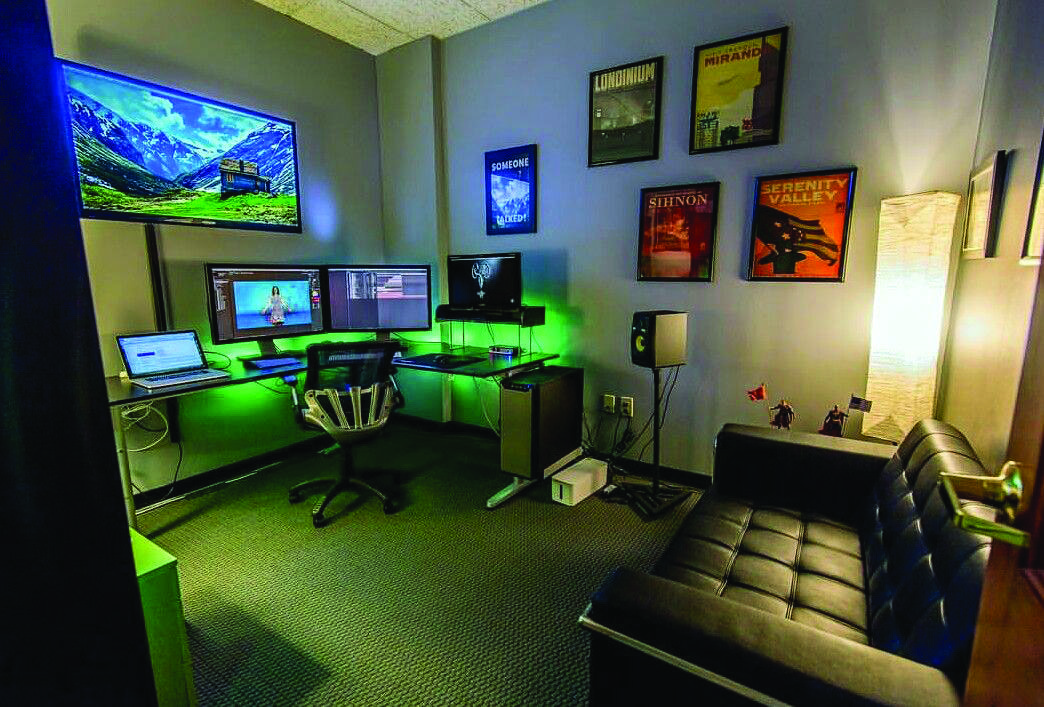 Suitable Basement Video Game Room Ideas That Look Beautiful Small Game Rooms Room Setup Gaming Room Setup