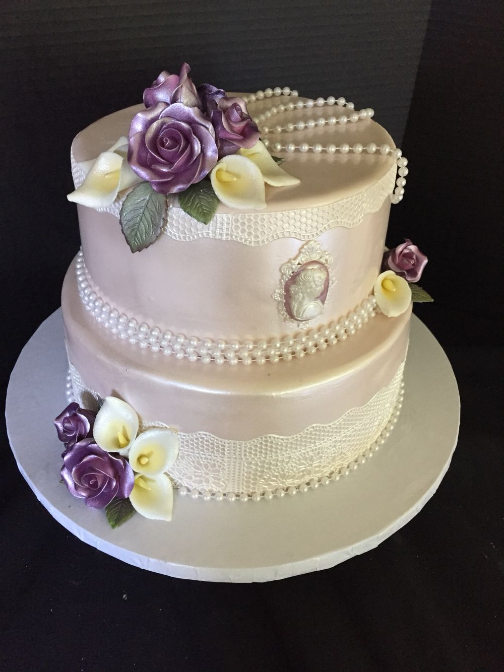 Custom Victorian themed cake. Handmade floral, cameo and lace. Great ...