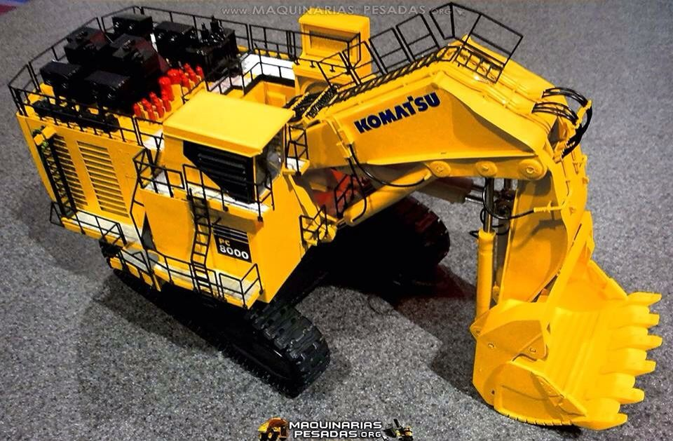Komatsu PC8000 | Diecast | Rc construction equipment, Heavy