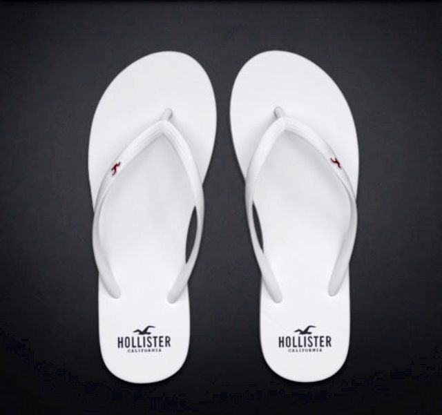 fe0e9b9e15f1 Hollister by Abercrombie and Fitch!Womens White Flip Flops Sandals US Small  7 8