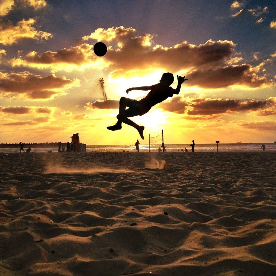 30 Action-Packed Photos Of People Playing Football/Soccer At ...
