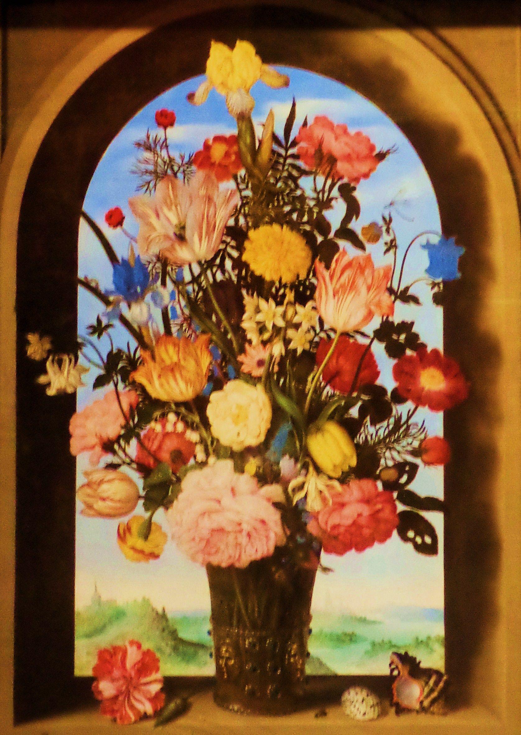 'Vaas met bloemen in een venster' door Ambrosius Bosschaert uit 1618. Dit schilderij met een bont boeket van 30 soorten bloemen is een topstuk van Bosschart. Hij bracht de bloemen nauwkeurig in beeld, zodat ze stuk voor stuk goed te herkennen zijn. Daarmee biedt dit schilderij een overzicht van de mooiste bloemen, waaronder de tulp die destijds in Holland nog zeldzaam was. Hij baseerde zijn boeket op losse studies die hij gedurende het jaar maakte, bloemen die niet tegelijkertijd bloeien.
