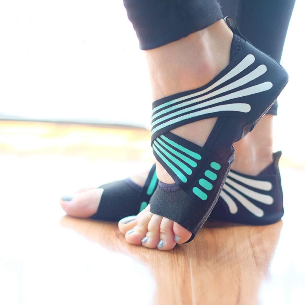 Bare Foot Yoga Pilates Socks In 2020 Yoga Shoes Pilates Socks Yoga Fashion