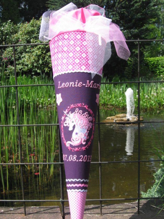 ausgefallene Schultüte mit Einhorn Motiv (incl. Rohling!)  Der Stoff ist NICHT geklebt und den Schultütenbezug kann man später als Kissen benutzen!  mit viel Liebe zum Detail genäht und...