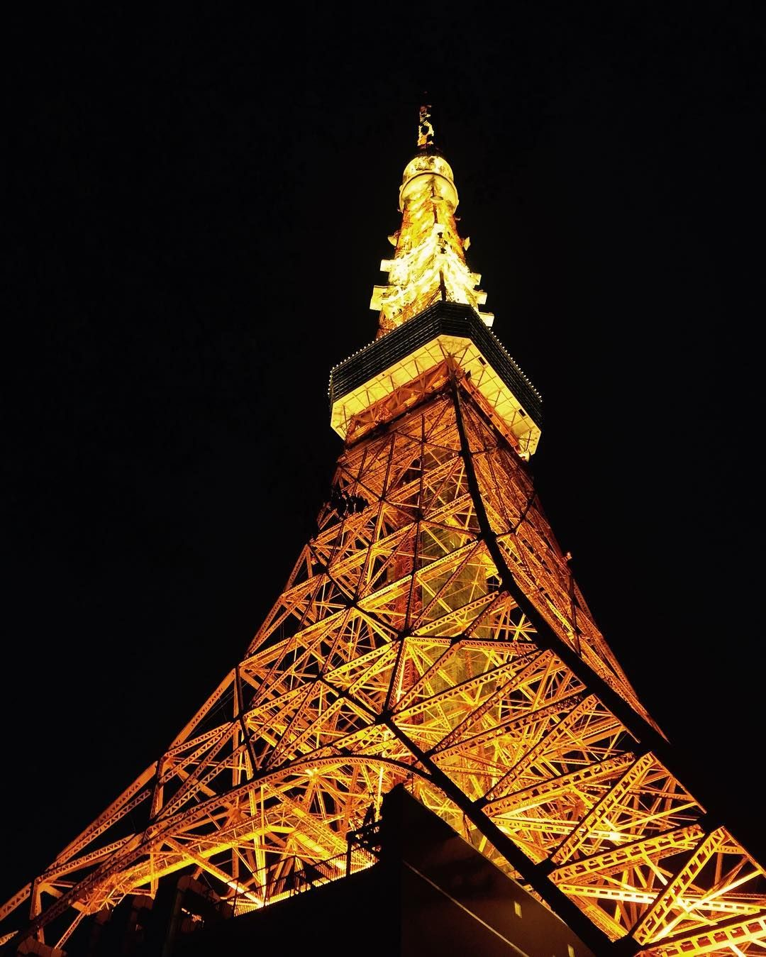 Can't wait to be here again! #tokyo #tokyotower #tokyotowerview #tokyoatnight #japan #japantrip #japanholiday (by tha_pull_pin)