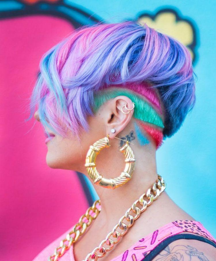 Undercut Frisuren Kurzhaarfrisur Pink Turkis Blau Lila Bunt