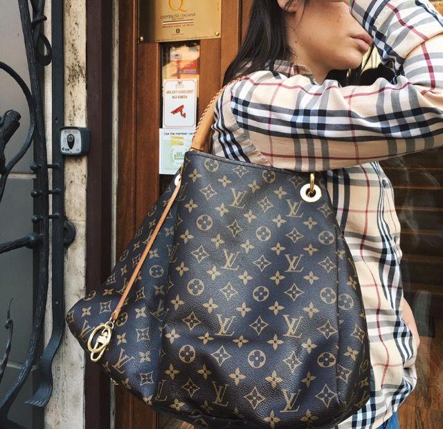 e7f1e18e99e4 Louis Vuitton Artsy MM in Monogram Canvas! Price  900€ brand new at  ViaAnabel.al