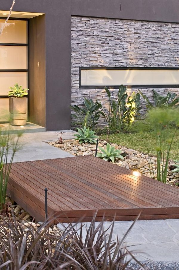 Contemporary-Backyard-with-Asian-Themes-on-Drake-Street