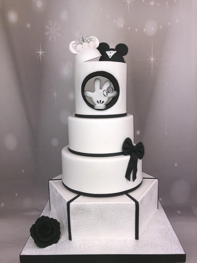 Wedding cake disney by Cindy Sauvage