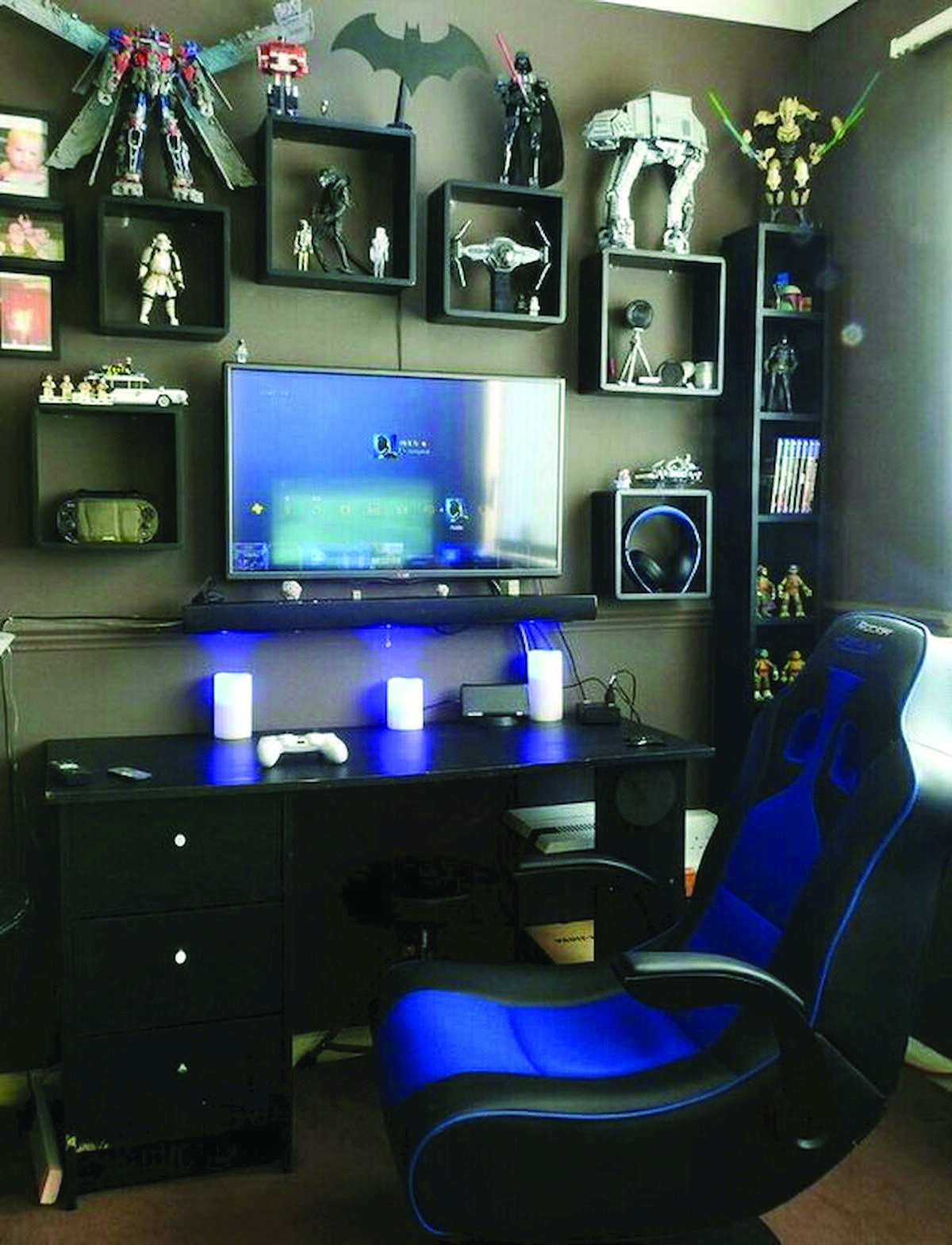 Stunning Ideas For A Video Game Room Decor Ideas Only In Homelikeart Com Video Game Room Design Boy Bedroom Design Game Room Design