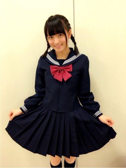 黒のセーラー服の清井咲希