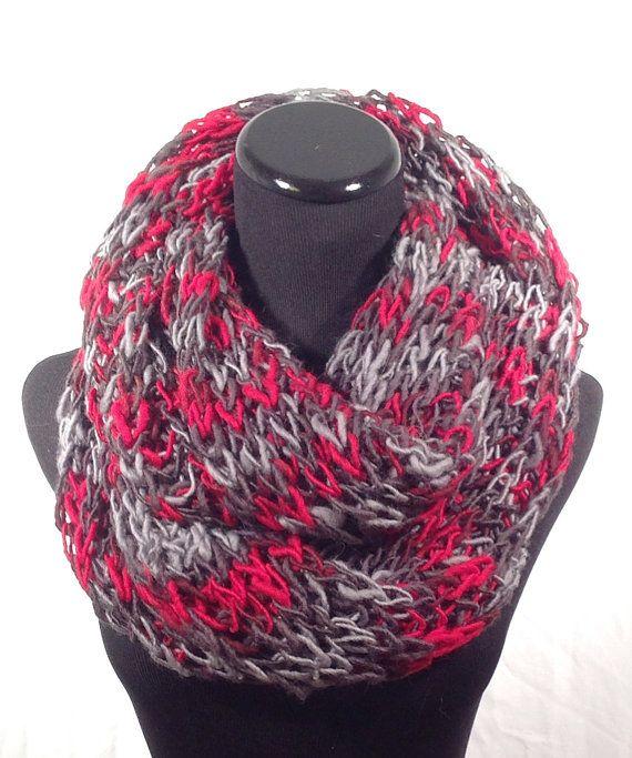Photo of Artikel ähnlich wie Black, Grey und Red Brioche Infinity Knit Scarf auf Etsy