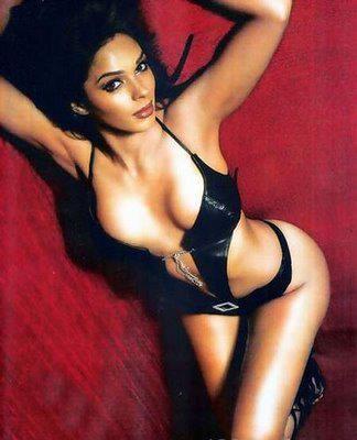Mallika Sherawat Weibliche Schauspielerinnen Indische Schauspielerinnen Bollywood Bikini Promis Promis Heiseste
