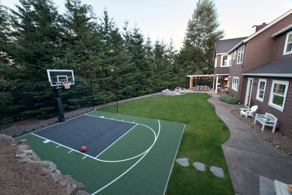 Backyard Basketball Court in 2020 | Basketball court ...