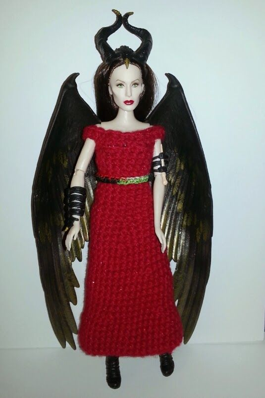 haunted verse: Merry Christmas from Maleficent! A free crochet dress pattern