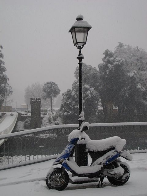 Ponte a Serraglio is white with snow | Lucca, Snow and Tuscany italy