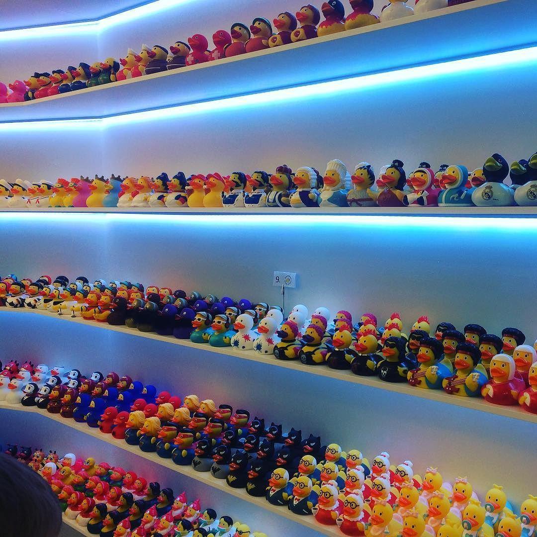 Mein kleines Reisehighlight - Duck Store Barcelona  #einmalaidaimmeraida #happytogether #aida #schönsterurlaub #bcn #barcelona #duckstore #quietscheentchen by frau.diy