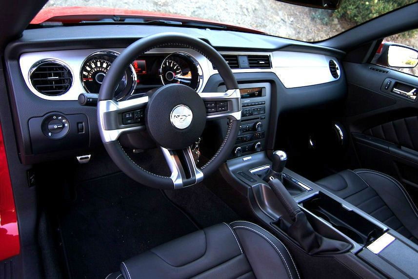 High Quality 2014 Ford Mustang Interior