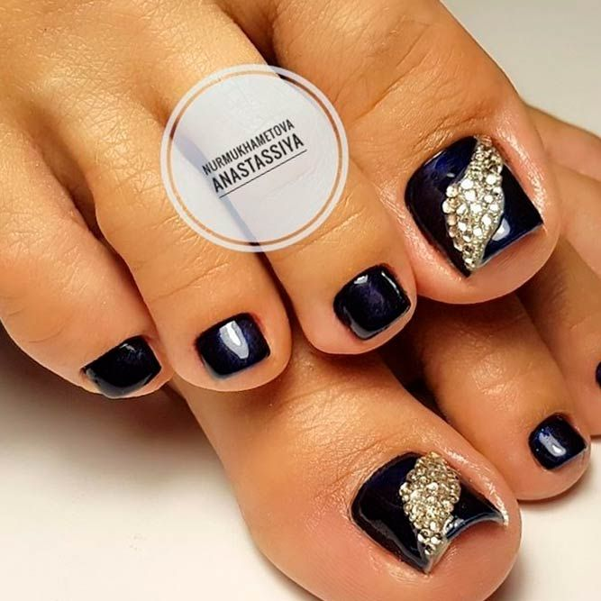 21 Amazing Toe Nail Colors To Choose This Season Trendy Black Finish A Stylish Look Picture 2 Your Should Always