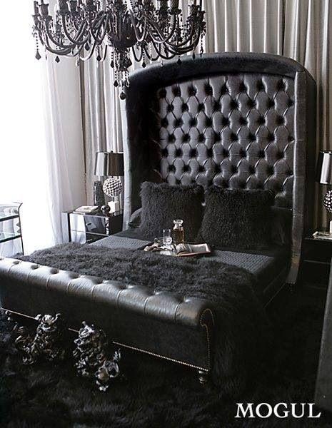 I love this gothic bed set Bedroom Pinterest - design mobel eine dunkle gothik einrichtung