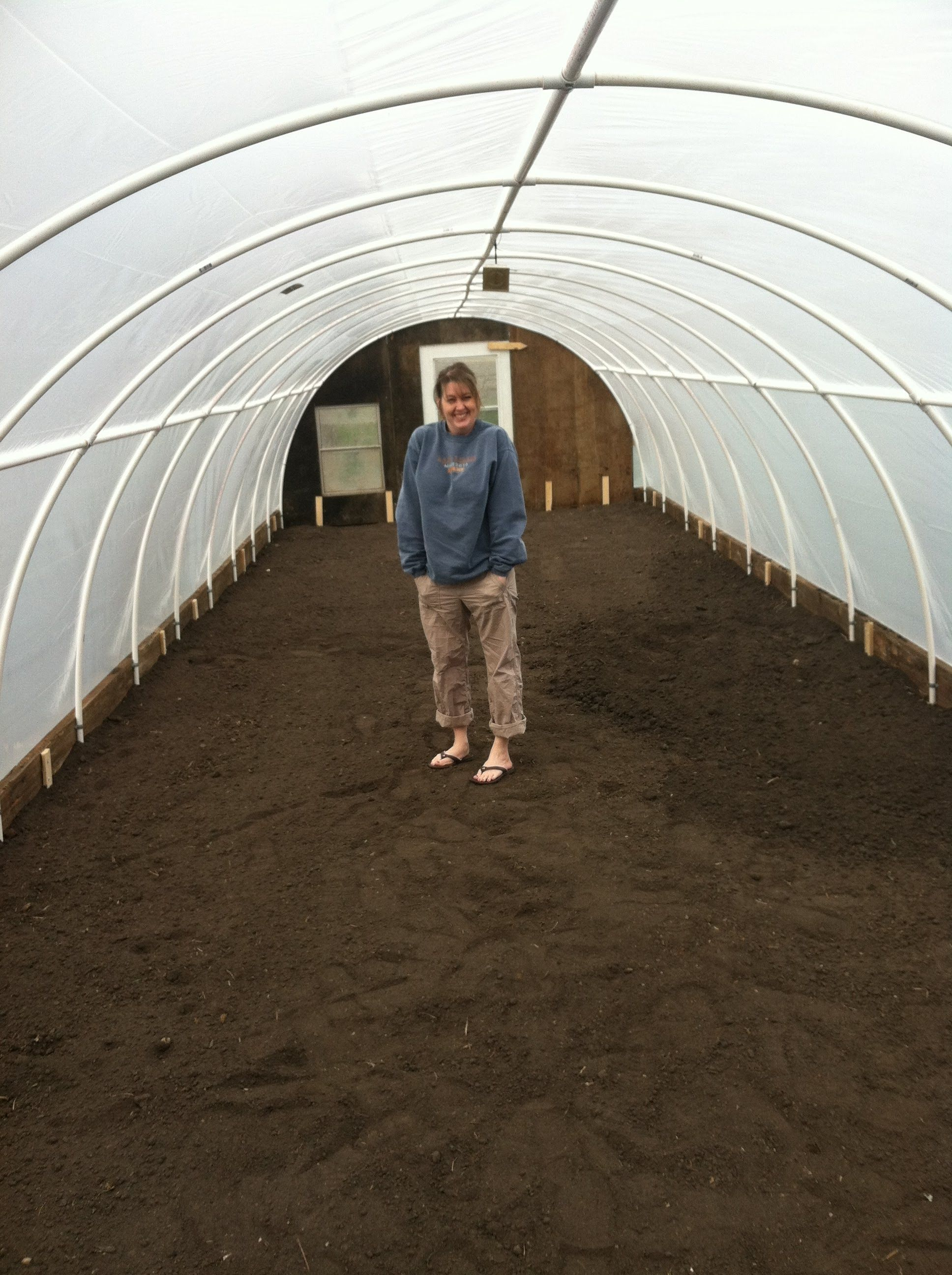 Pvc Hoop House In A Day Pvc Greenhouse Diy Greenhouse Greenhouse