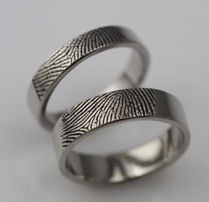 Cool Custom Fingerprint Rings I um in love with these u if I get married one day and hopefully I will THESE will be our wedding bands