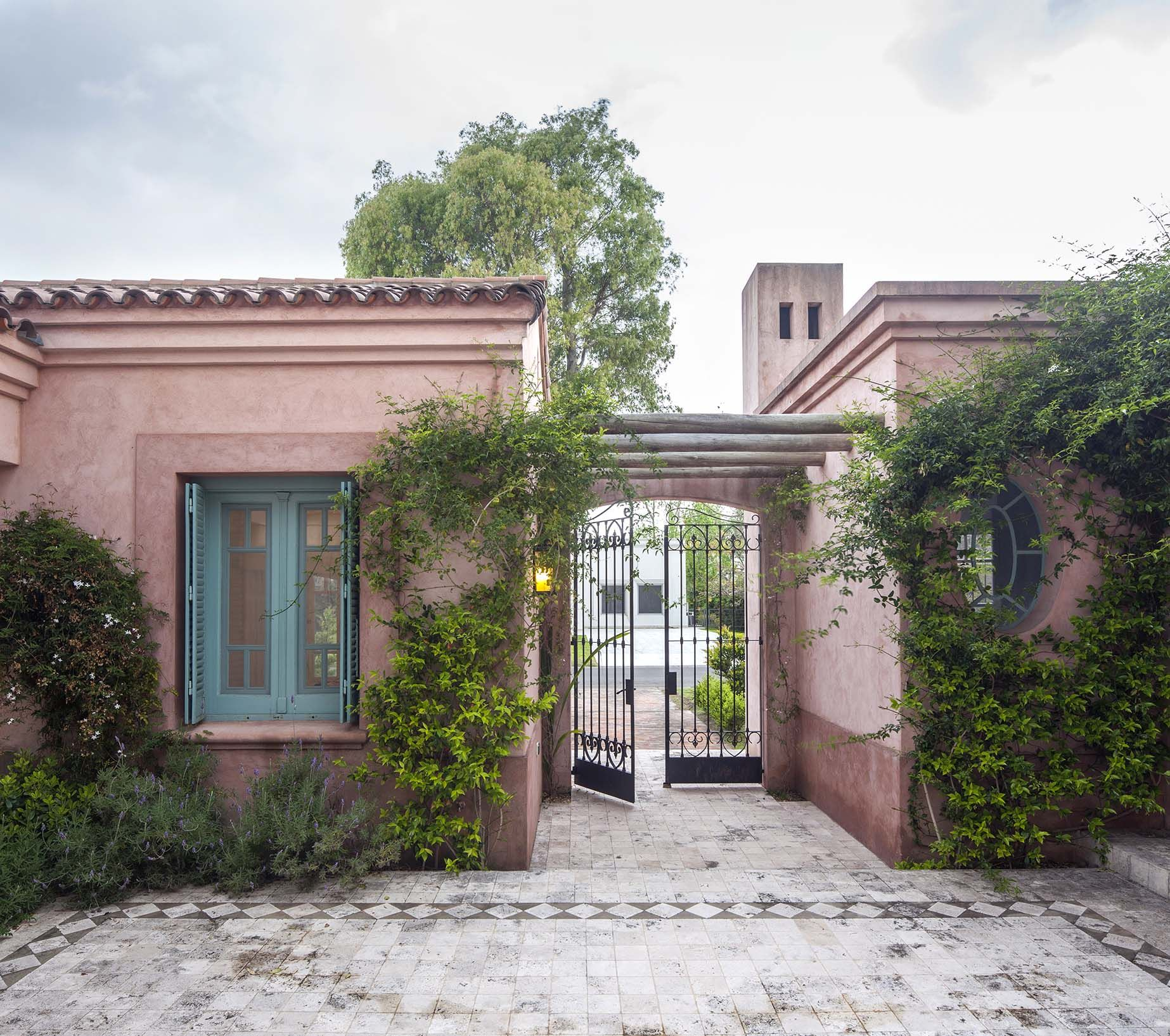 Arquitectura paisajismo ricardo pereyra iraola - Casas tipo colonial ...