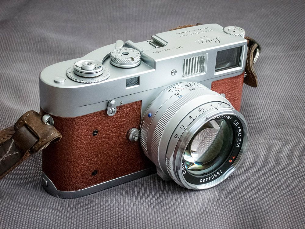 leica-m2-recovered-cameraleather-carl-zeiss-zm-c-sonnar-50mm