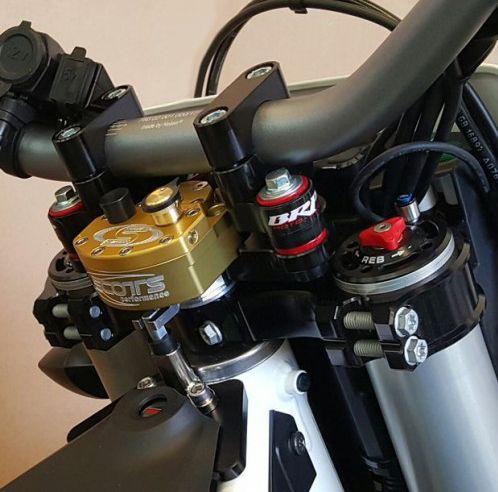 Scotts Steering Damper Kit For Husqvarna 701 Enduro Smc Husqvarna Motorcycle Camping Gear Hot Bikes