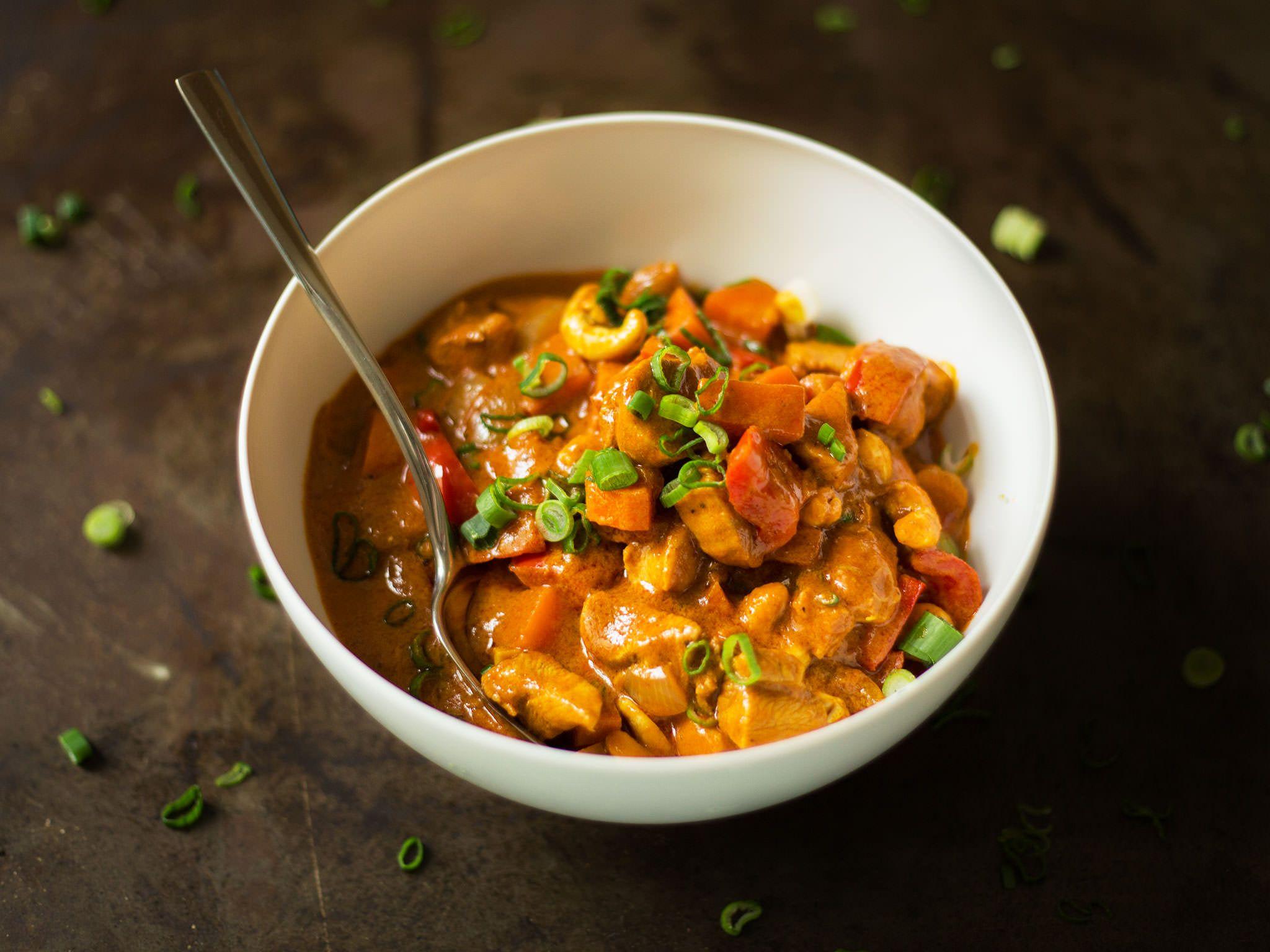 Butterhuhn in mild-würziger Tomatensoße | Rezept | Kitchen Stories #chickenrecipes