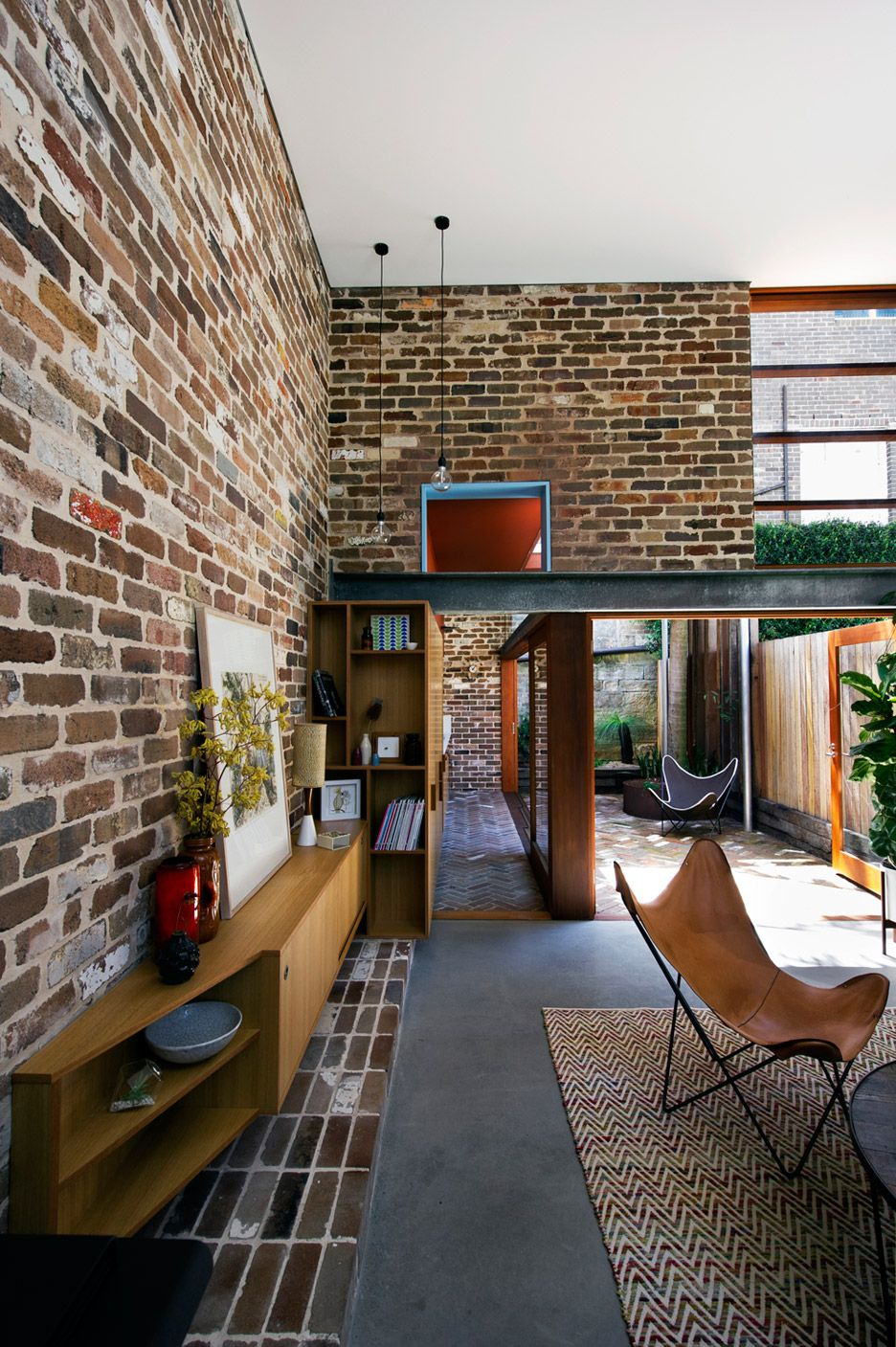 Recycled Brick House Extension Creates A Double Height Living Room A Mezzanine Bedroom And A Home Office Brick Exterior House House Exterior Recycled Brick
