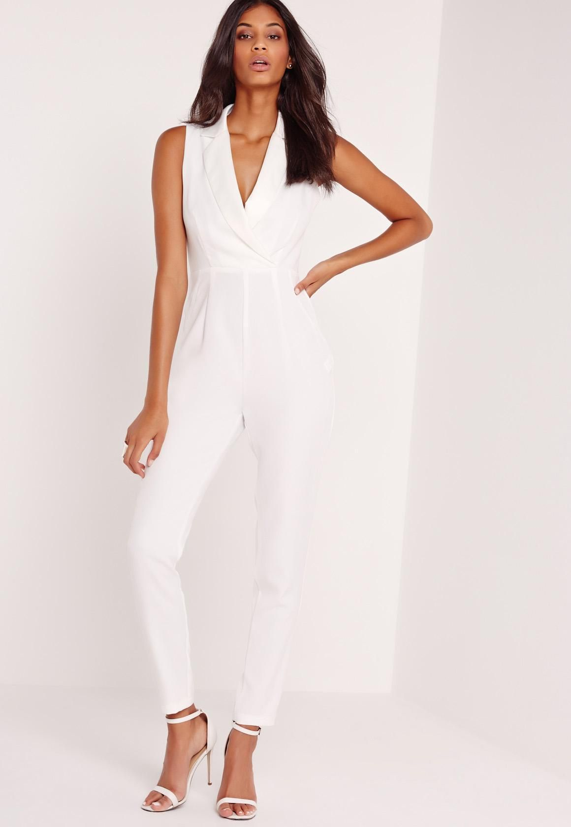 aa780fdba Awesome White Jumpsuit : Enticing White Jumpsuit Look Trabalho, Macacões De  Grife, Jantar Roupas